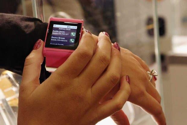 Im Watch, uno de los relojes inteligentes presentados en la feria CES de Las Vegas. Samsung planea lanzar en septiembre su propio modelo, el Galaxy Gear