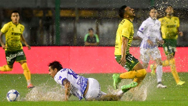 Defensa y Justicia recibe a Godoy Cruz
