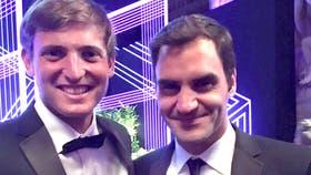 Axel Geller y Roger Federer en la cena de los campeones de Wimbledon