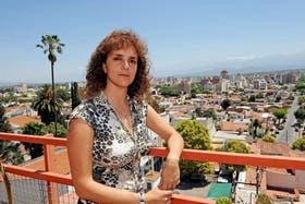 La docente Gilda Di Fonzo viajó gracias a una beca, pero en Barajas frustraron su intento