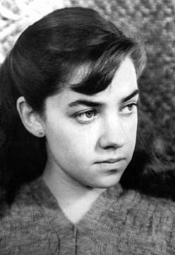 A los 17 año en una foto tomada por Grete Stern.