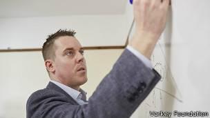 Hegarty practica el sistema de aula invertida