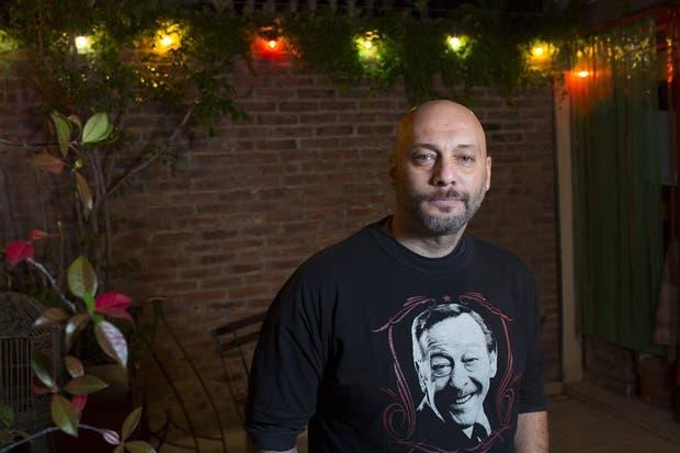 Castiello, cantor de Villa Urquiza, formado en el tango y el rock