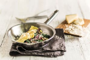 Receta healthy: omelette de ricota, hongos y espinaca