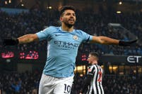 La fiesta de Agüero: Manchester City, cómodo líder de la Premier League, ganó con tres goles del Kun