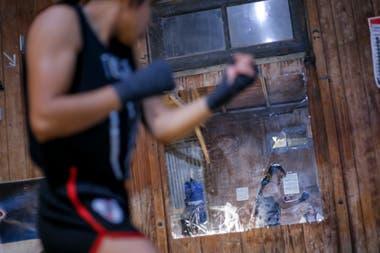 Florencia Merlo, integrante de la Seleccion Cordobesa de Boxeo durante jornada de entrenamiento