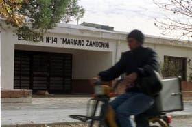 La escuela Mariano Zambonini, donde un alumno armado amenazó a sus compañeros
