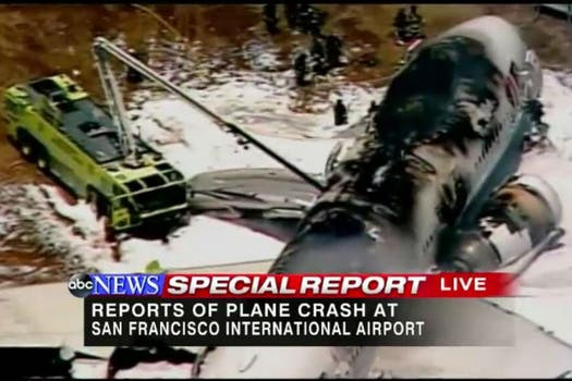 El aparato, en el que viajaban unas 290 personas perdió su cola al momento del aterrizaje forzoso y se incendió. Foto: Twitter / @GioBenitez