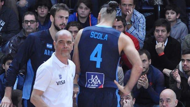 Argentina va en busca de la final de la Americup