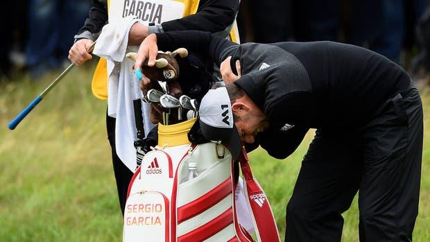 El dolor de Sergio García tras golpearse con un arbusto