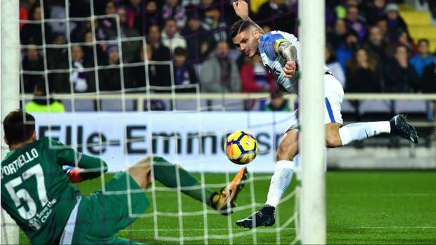 Goles de Icardi y Simeone en Fiorentina-Inter
