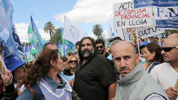 El gobierno vuelve a convocar a los gremios docentes para el lunes
