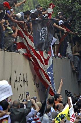 En El Cairo tomaron una bandera