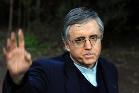 El padre Grassi salió de su quinta y se presenta ante la Justicia