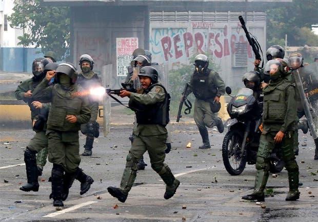 La represión no estuvo ausente ayer, pese a que bajó la intensidad de las protestas