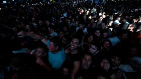 Un público eufórico recibió anoche al Indio Solari en Olavarría