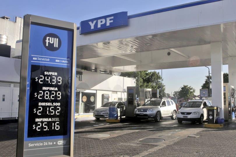 Ayer aplicó un alza de 3,5% promedio en naftas y gasoil, la segunda del año y apenas dos semanas después del último ajuste; el litro de premium ya supera los $30 en el interior; se le sumó Oil, con un incremento de 2,5%