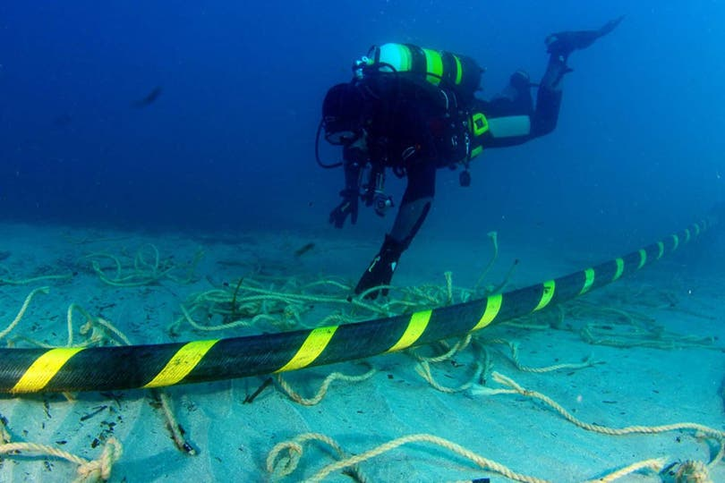Google tenderá cable submarino entre Chile y California