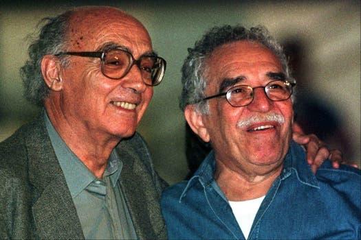 Con Saramago en Colombia, en 1999.
