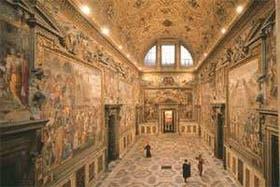 En la Sala Regia, junto a la Capilla Sixtina, los funcionarios vaticanos suelen recibir a los visitantes