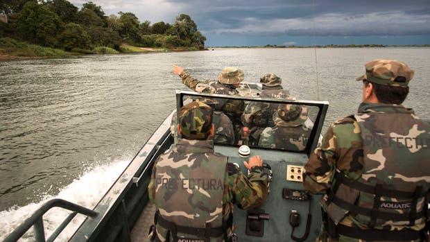 Prefectura patrulla la costa cerca a Itatí en busca de traficantes