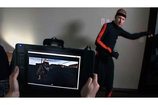 Lo que se ve es lo que se obtiene: una cámarta virtual le permite al director ver en tiempo real lo que luego quedará en la escena final generada por computadora. Foto: The Third Floor