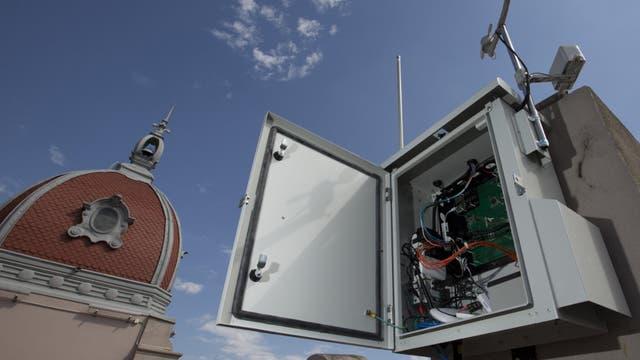Uno de los módulos instalados con sensores en una terraza de Parque Lezama