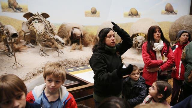 Visita guiada sobre la era del hielo por las vacaciones de invierno en el Museo de Ciencias Naturales de la ciudad de La Plata