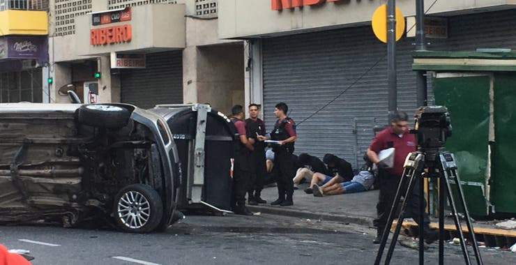 Cinco jóvenes que iban a bordo del Bora fueron detenidos tras el choque