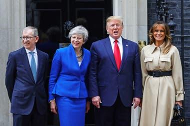Trump le propuso a May que se quede en el gobierno hasta cerrar el acuerdo EEUU/UK