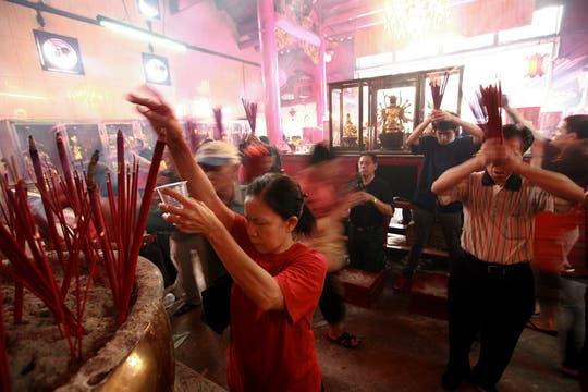 El Festival de Primavera, dentro del cual se inicia el Año Nuevo Lunar chino, forma parte de las tradiciones de Japón y Corea del Sur, pero se ha logrado sumar a las costumbres de Indonesia y Filipinas. Foto: EFE
