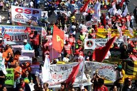 Los empleados públicos marcharon en Brasilia