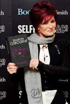 Sharon Osbourne publicó la novela Revenge y dos autobiografías. Con la primera, Extreme, logró vender más de dos millones de copias. Foto: Archivo