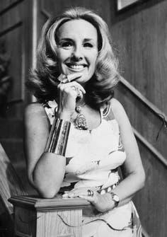 En mayo de 1971, en el primer programa de la tercera temporada de Almorzando con Mirtha Legrand, trasmitido por Canal 9.