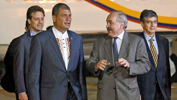 Rafael Correa recibe una distinción de la Universidad de Quilmes y se reunirá con Gabriela Michetti