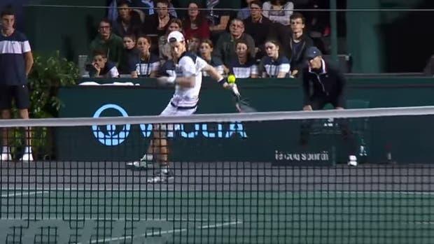 Un gran punto en el partido ante John Isner en París