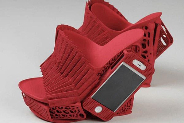 Súper plataformas con porta celular. Foto: Craziestgadgets.com