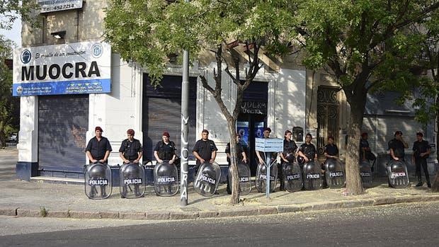 La policía blindó ayer la Uocra de Bahía Blanca