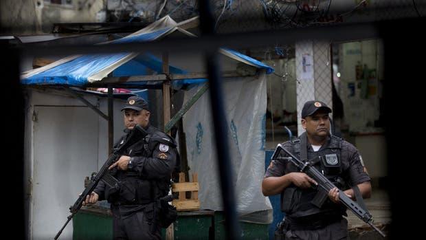 La policía patrulla un sector de Rocinha tras la muerte de la turista española