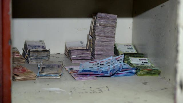 Parte de los $ 11.000.000 encontrados en una de las cajas fuertes de Castillo