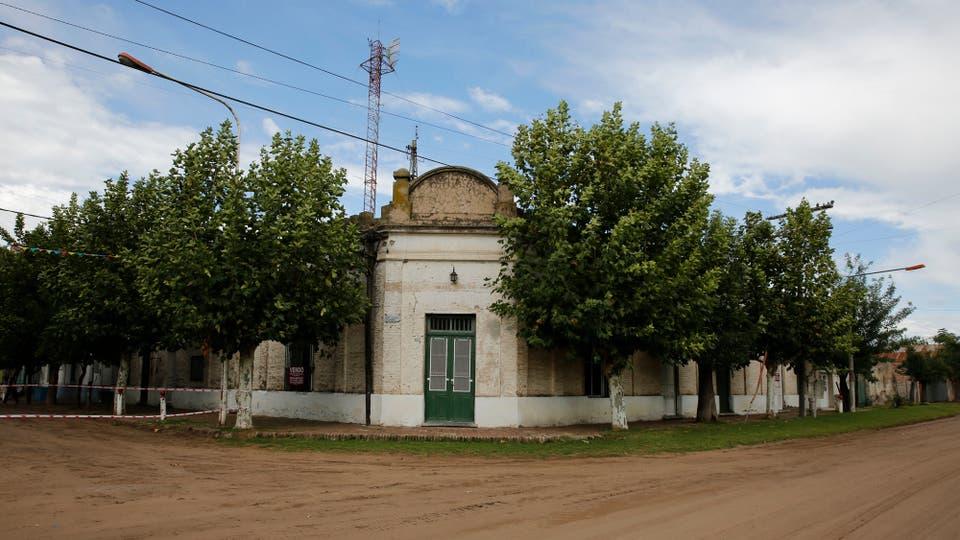 Un típica esquina del pueblo. Foto: LA NACION / Ricardo Pristupluk