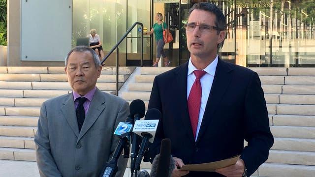 Paul Delacourt, encargado de la oficina del FBI de Hawái, comparece ante la prensa