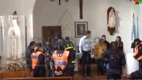 Encontraron tres bóvedas en la capilla del monasterio donde detuvieron a José López