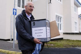 Más de mil electores están convocados para participar del referéndum