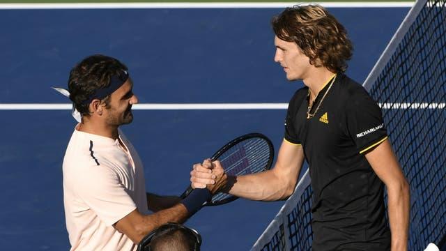 El saludo entre Federer y Zverev