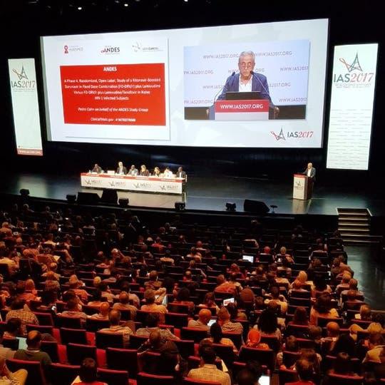 Pedro Cahn presenta los resultados del estudio Andes en la conferencia internacional de VIH-sida