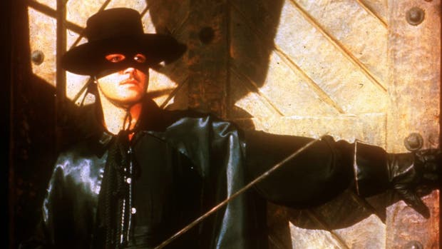 Guy Williams en el papel de El Zorro