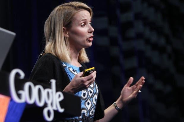 En una imagen de archivo, Marissa Mayer presenta la función Instant del buscador Google en 2010