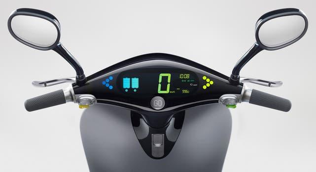 Panel electrónico del scooter Gogoro.
