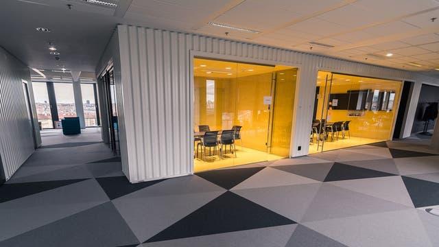 Una vista de las salas de reuniones en las oficinas de Avast!